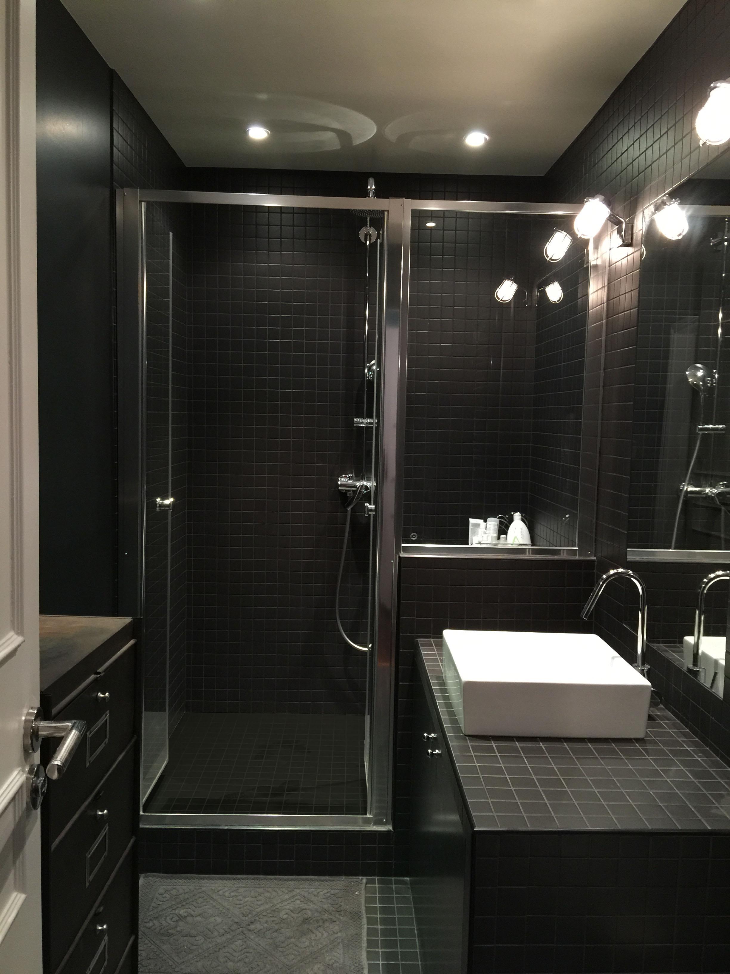 Joint salle de bain noir home design architecture for Joint de salle de bain noir